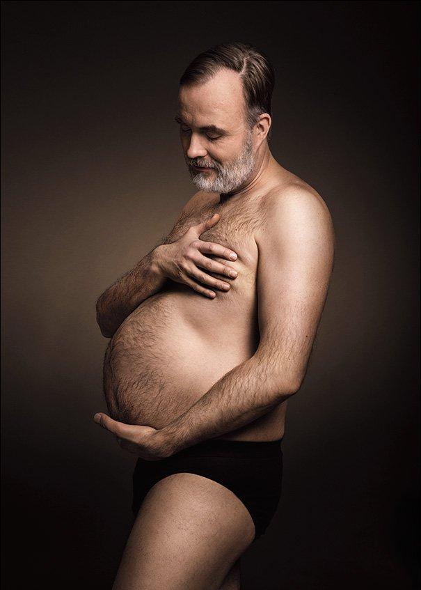 Мужчины удачно пародируют женские фото