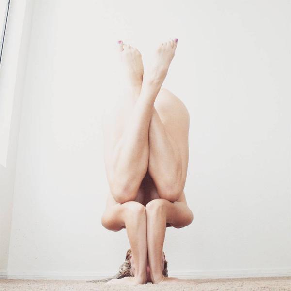 Йога помогла девушке справиться с серьёзными психическими заболеваниями