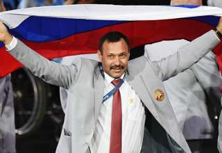 За вынос российского флага на Паралимпиаде белорус Андрей Фомочкин получит квартиру