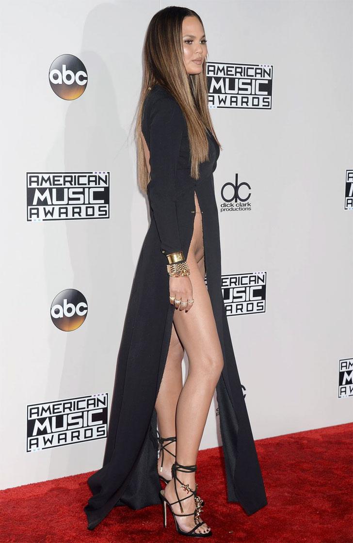 Крисси Тейген ошеломила всех своим платьем на церемонии American Music Awards (фото)