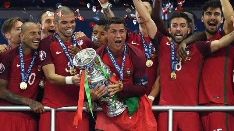 Сборная Португалии по футболу впервые стала Чемпионом Европы!