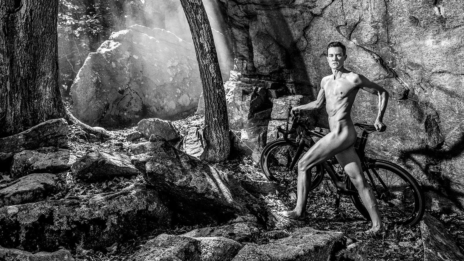 Chris Mosier. В ежегодной фотосессии Body Issue для журнала ESPN приняли участие 20 известных спортсменов