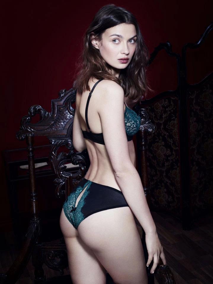 """Автор романа """"50 оттенков серого"""" представила свою коллекцию нижнего белья"""