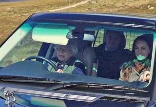 """Королева Елизавета II по-прежнему """"рулит"""""""