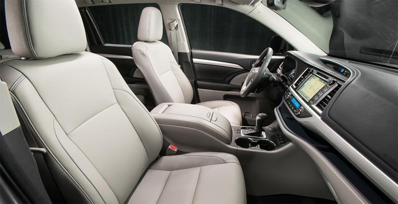 Обновленный кроссовер Toyota Highlander стал еще более комфортабельным