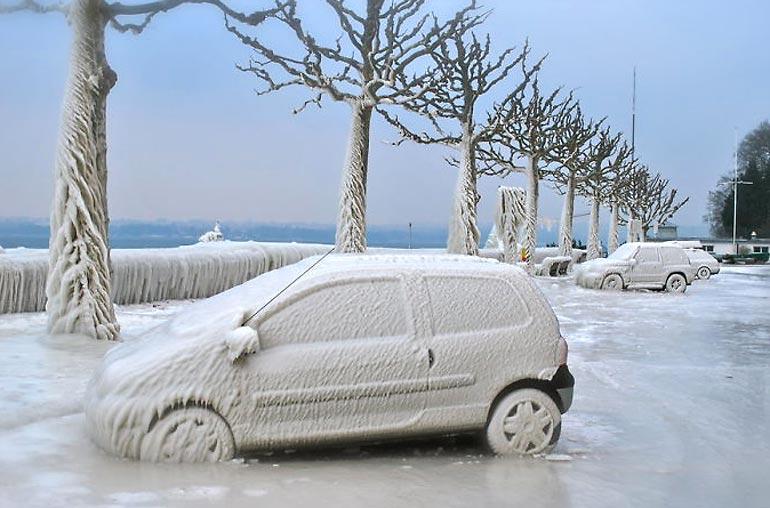 Замёрзшая машина - зима создаёт произведения искусства (25 фото)