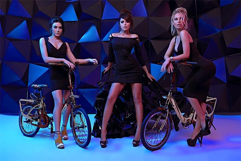 """Дорогие велосипеды и красивые девушки в серии """"Rich Sport"""" Артура Каплуна (13 фото)"""