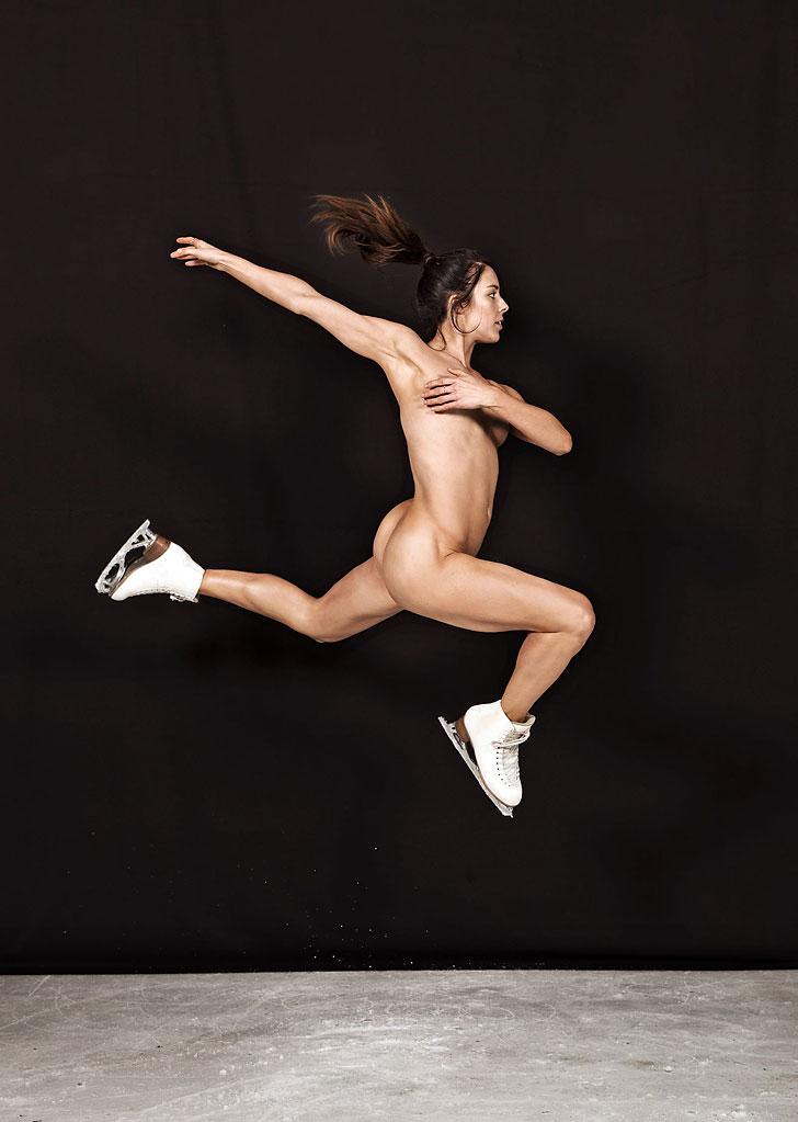 выступление спортсменок голыми